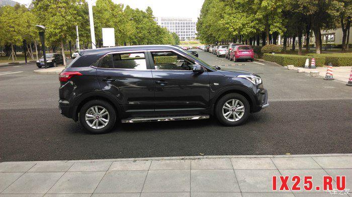 Hyundai Creta 2016 с установленными порогами