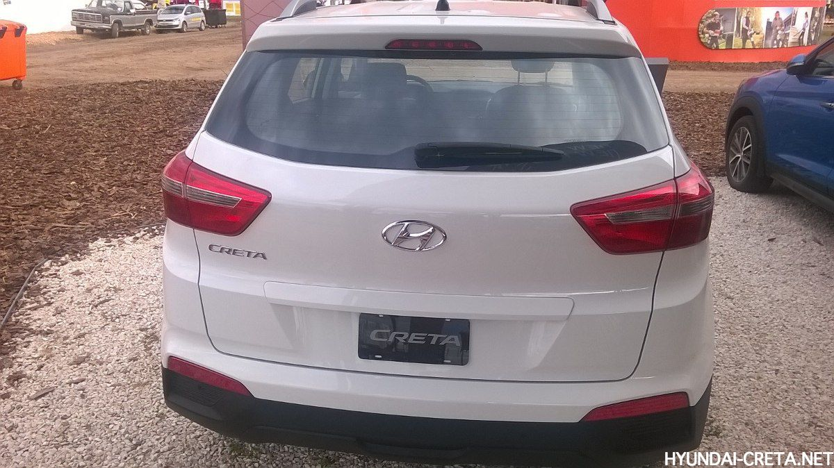 Hyundai Creta белый вид сзади