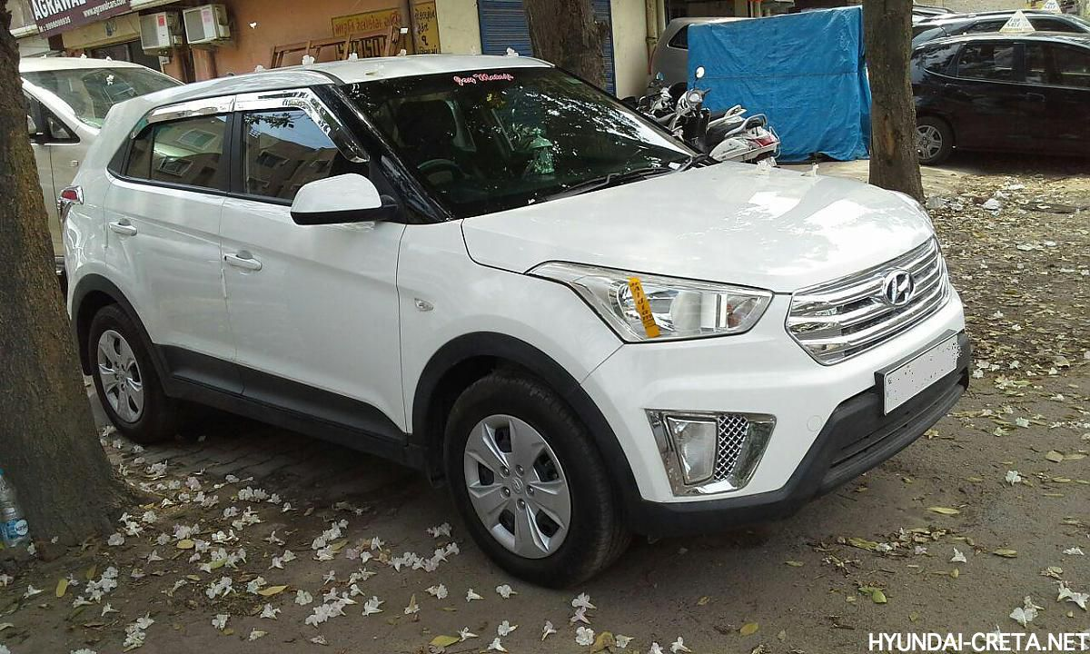 white Hyundai Creta